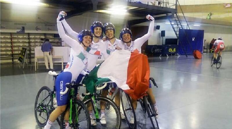 Chiara Consonni, Letizia Paternoster, Martina Fidanza, neo campionessa europea nello scratch, e Vittoria Guazzini conquistano l'oro nell'inseguimento a squadre donne juniores.