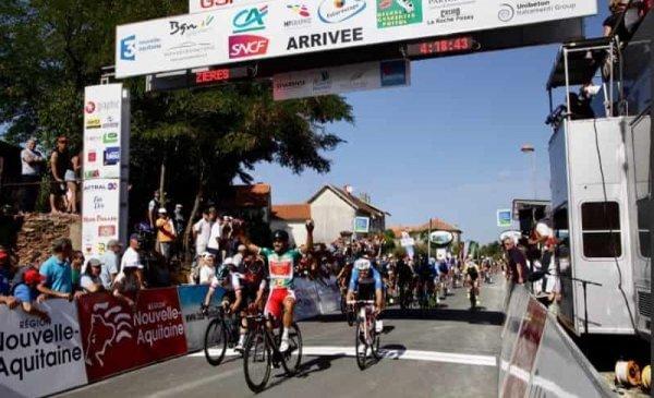 Tour du Poitou Charentes 2017: Bouhanni rivincita su Viviani