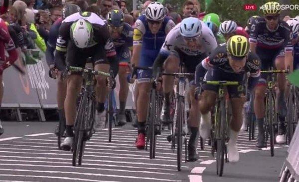 Tour of Britain 2017: bis di Ewan che vince allo sprint la terza tappa