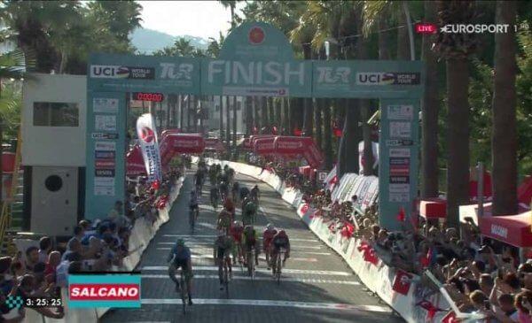 Giro di Turchia 2017 terza tappa: tris di Bennet!