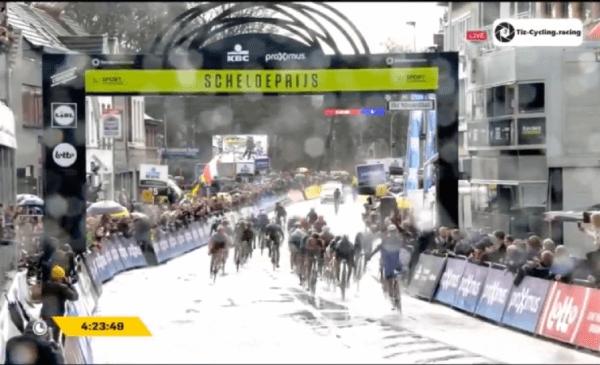 Continua la serie vincente della Quick Step Jakobsen vince la Scheldeprijs 2018