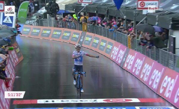 Giro 101 tappa 8 vittoria di Carapaz: la prima volta di un Ecuadoregno