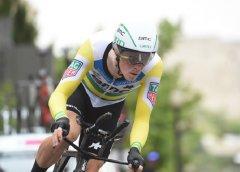 Giro 101 tappa 16  Dennis vince la crono, Yates ancora in Rosa. Pozzovivo consolida la posizione