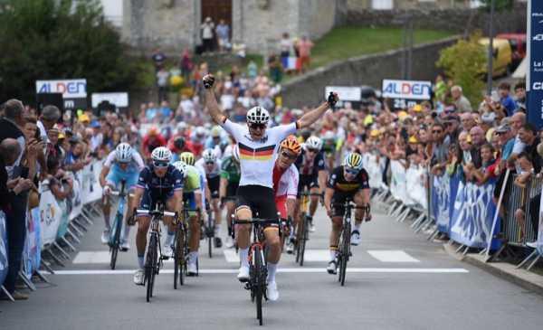 Tour de l´Avenir 2018 tappa 1 vittoria di Max Kanter