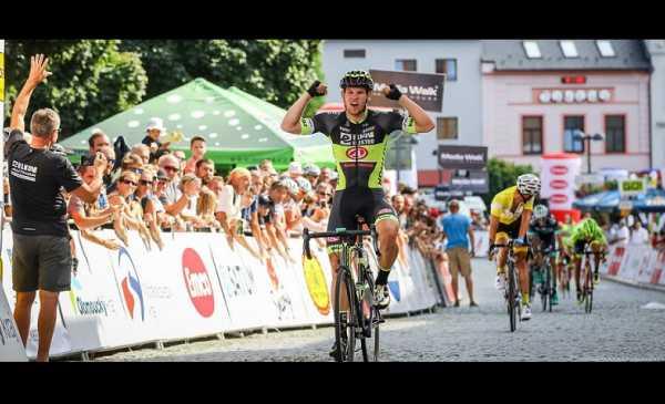 Kukrlevince la 3^ tappa del Giro della Repubblica Ceca davantia al leader Zoidl e il nostro Velasco