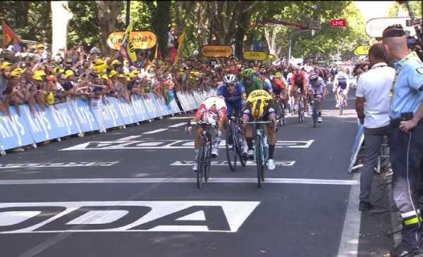 Tour de France 2019 tappa 11: Ewan al fotofinish su Groenewegen, 3° Viviani