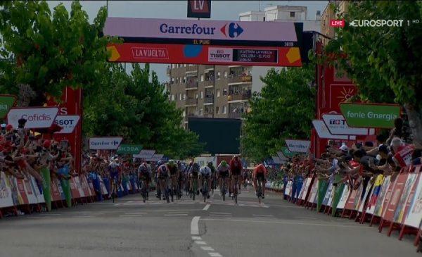 La Vuelta 2019 tappa 4: volata vincente di Jackobsen a El Puig