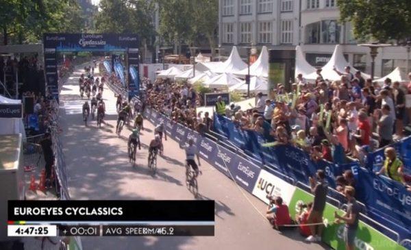Cyclassics Hamburg 2019: Elia Viviani fa tris!